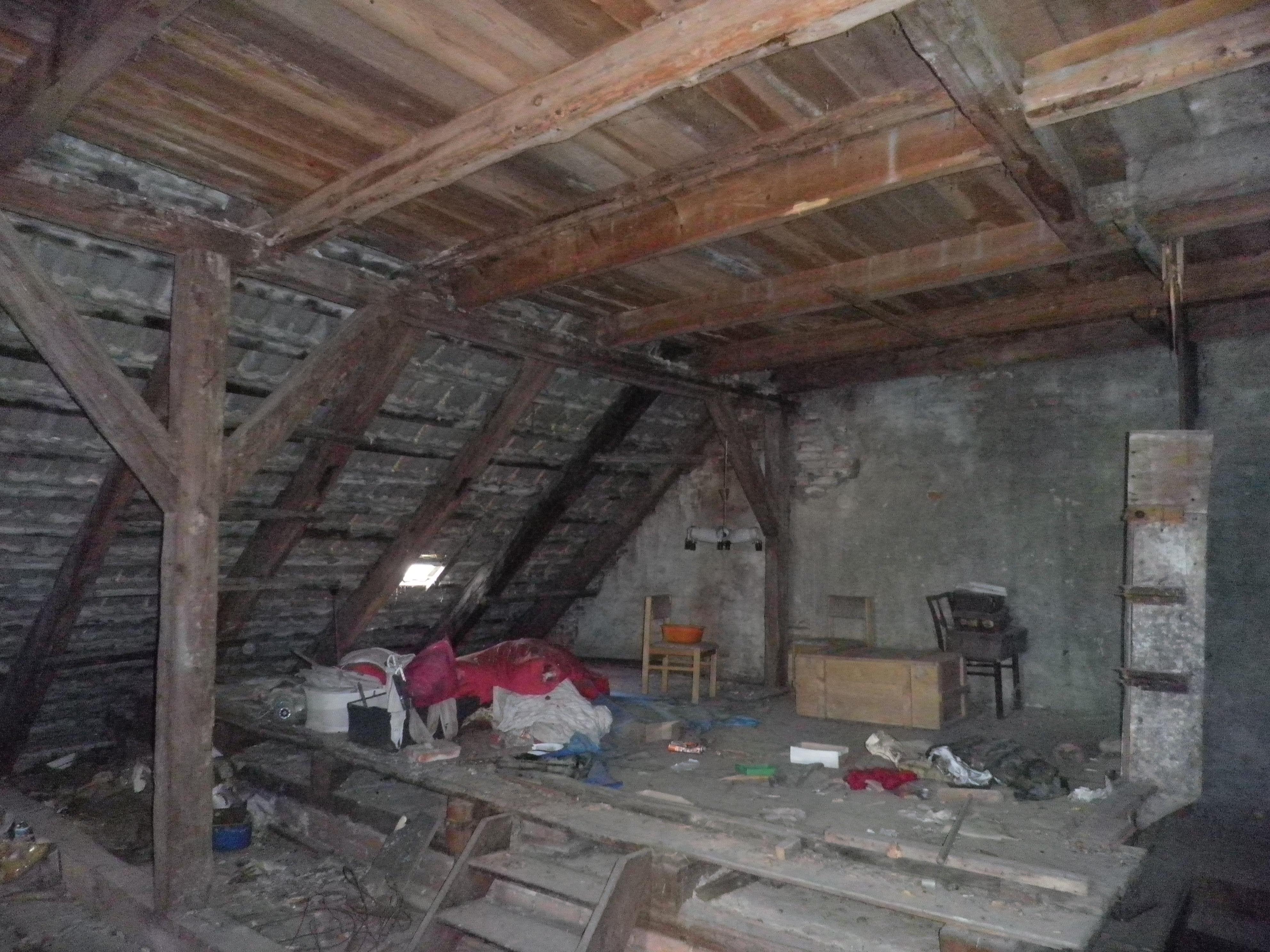 Wohnnung Ausbau Dachgeschoss mit Reserven